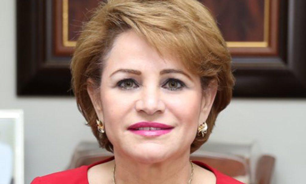 Lucía Medina es la primera en inscribir precandidatura a senaduría ...