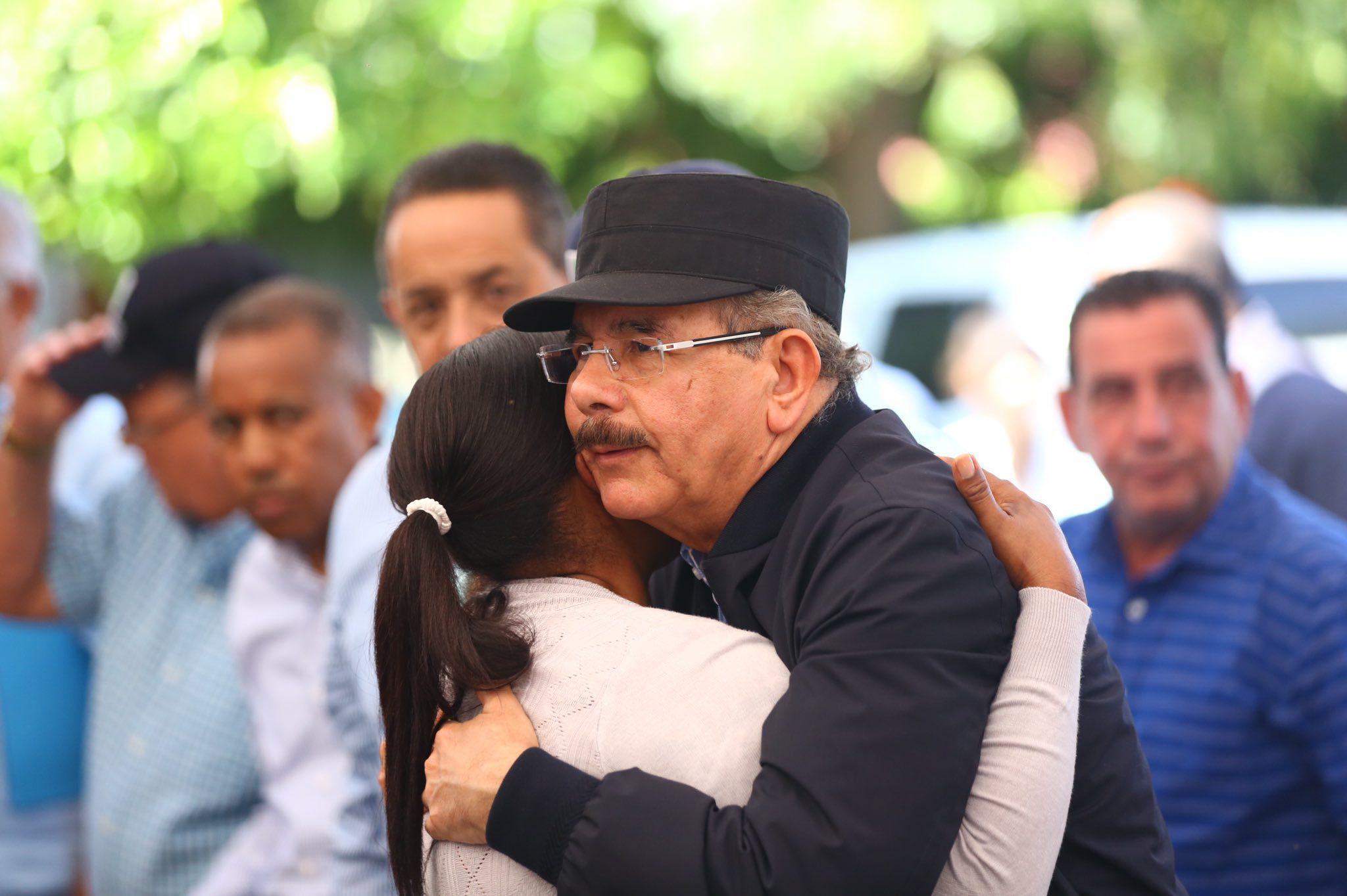 Presidente Medina realiza Visita Sorpresa 268; fomenta siembra de café y  aguacate en Peravia - N Digital
