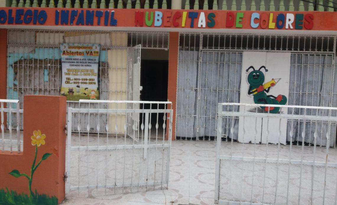 Colegios en Los Mameyes.
