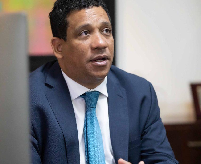 Carlos Pimentel, director de Compras y Contrataciones Públicas.