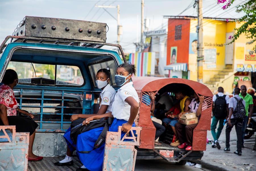ESTUDIANTES-HAITI
