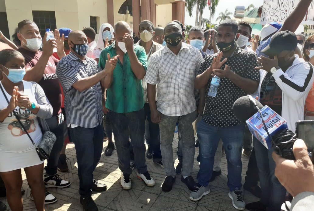 Protestas en el Palacio por mercado La Pulga