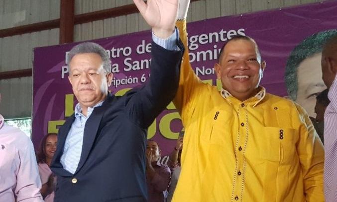 Carlos Guzmán y Leonel Fernández.