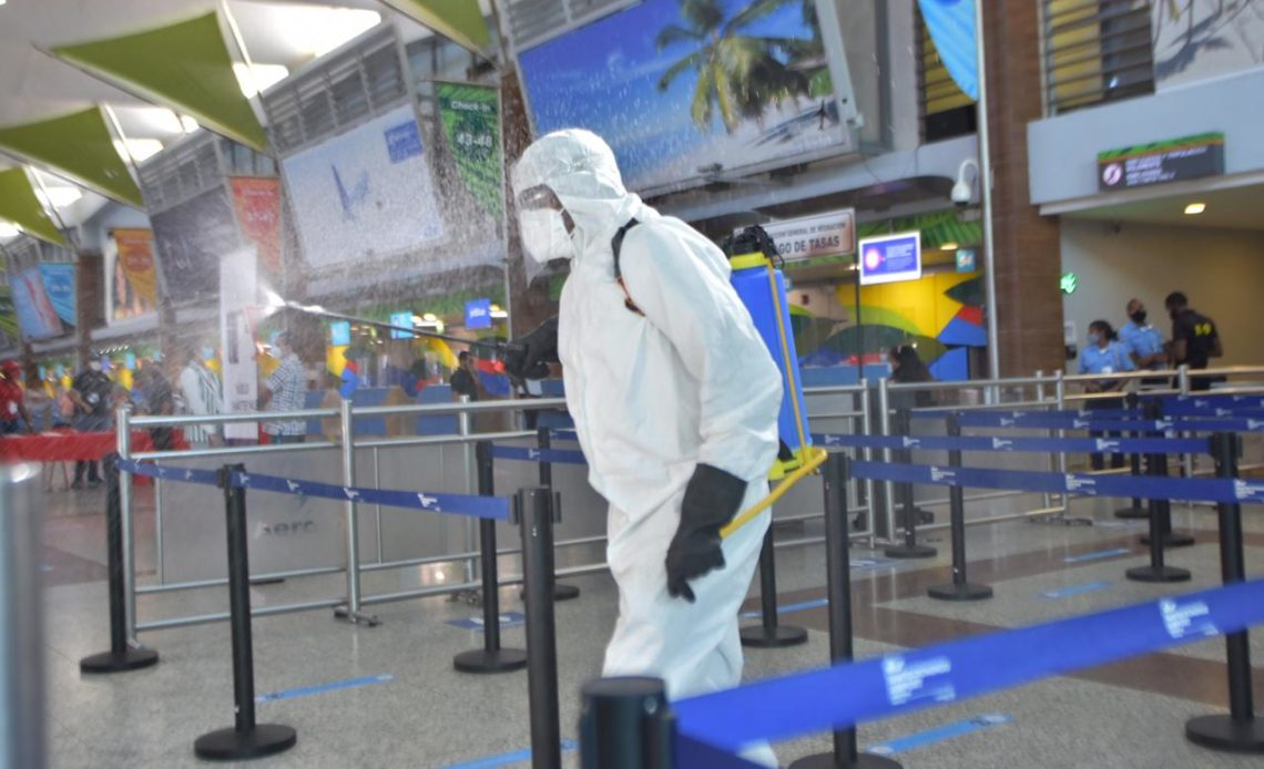 Medidas sanitarias en el Aeropuerto de las Américas