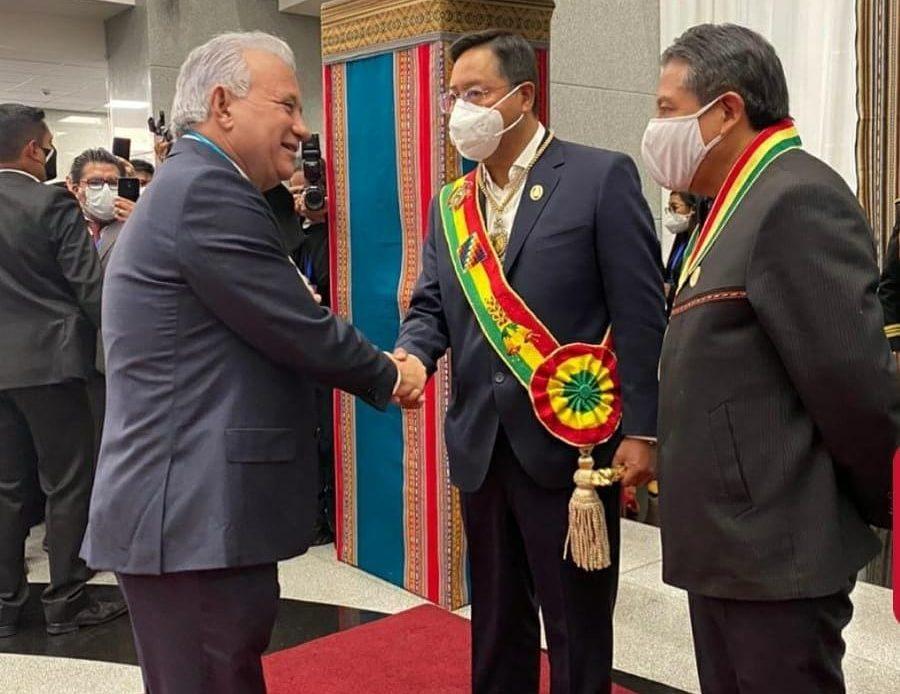 Antonio Taveras con el presidente de Bolivia, Luis Arce