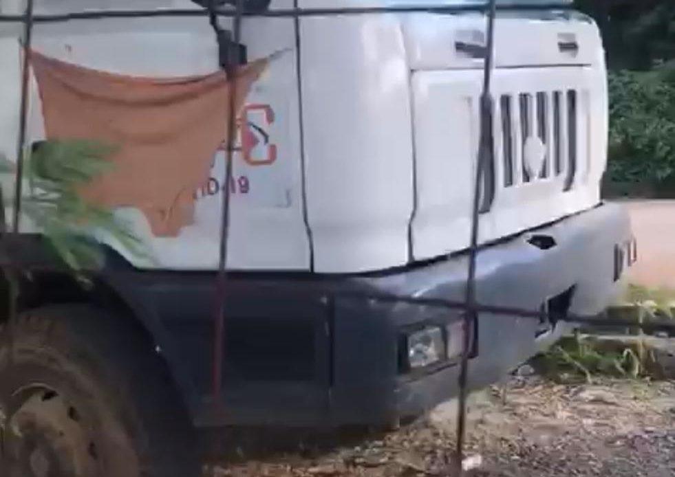 Camión en residencial Nuevas Terrazas