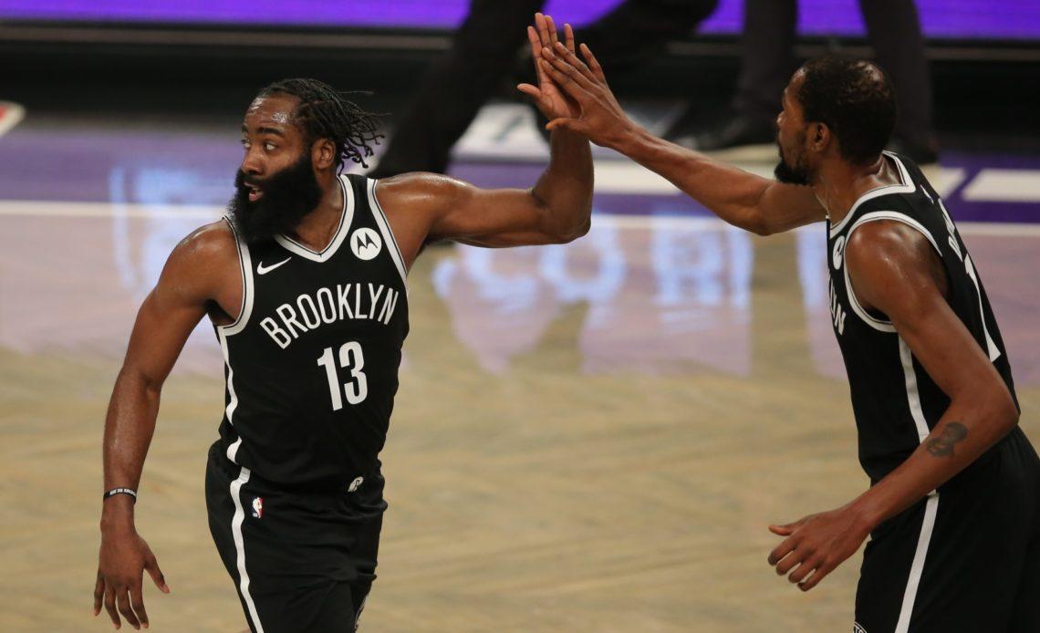 Kevin Durant y James Harden guían a los Nets