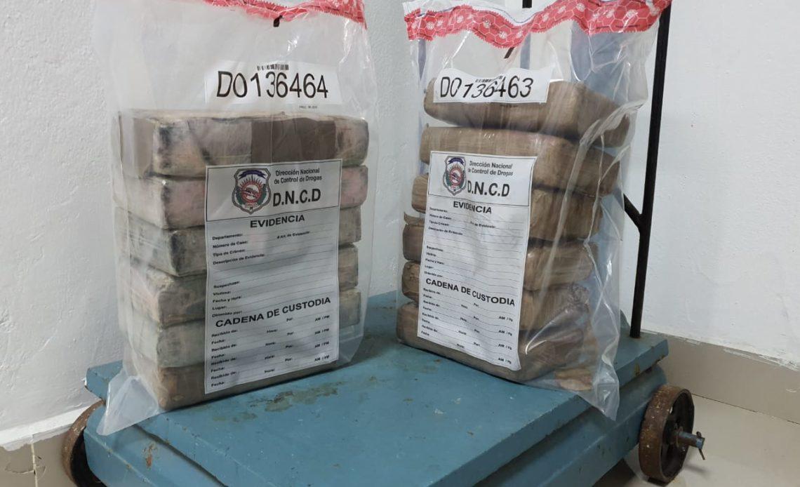 Resultado de imagen para DNCD ocupa 12 paquetes presumiblemente cocaína en Puerto Caucedo