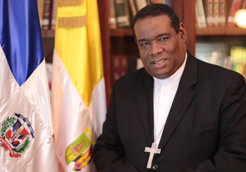 Monseñor Castro Marte.