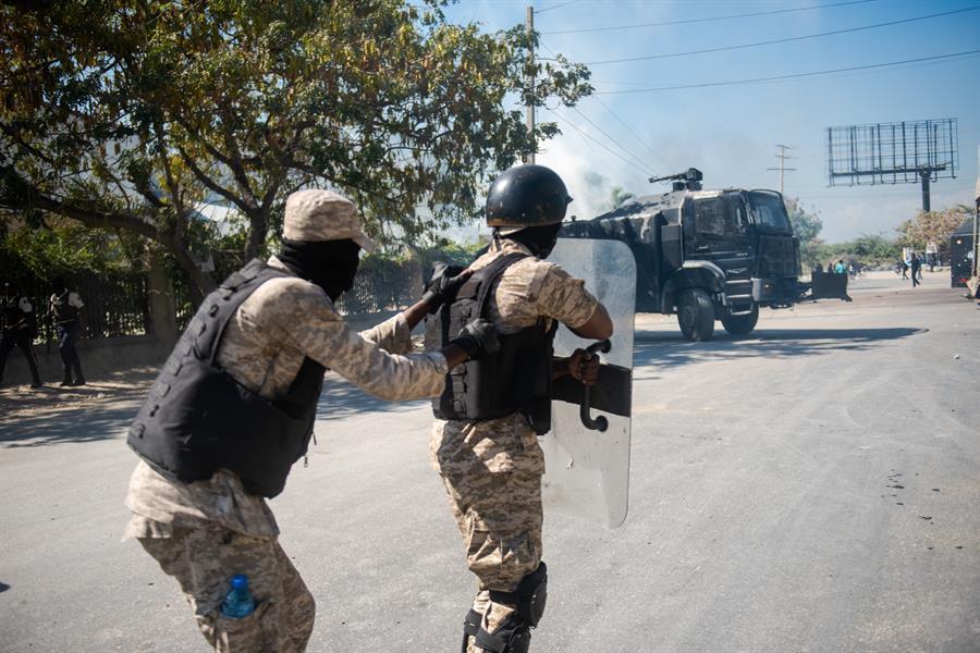 HAITI-POLICIAS