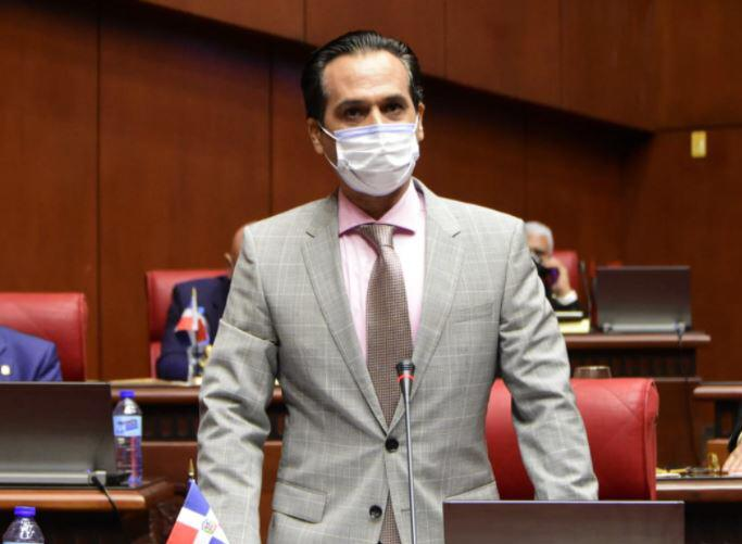 Senador Iván Silva