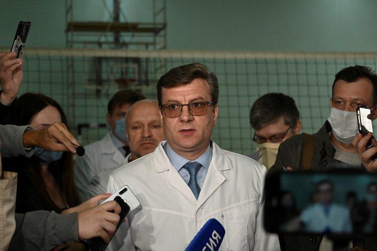 Desapareció el director del hospital siberiano donde fue atendido el líder opositor ruso Alexei Navalny
