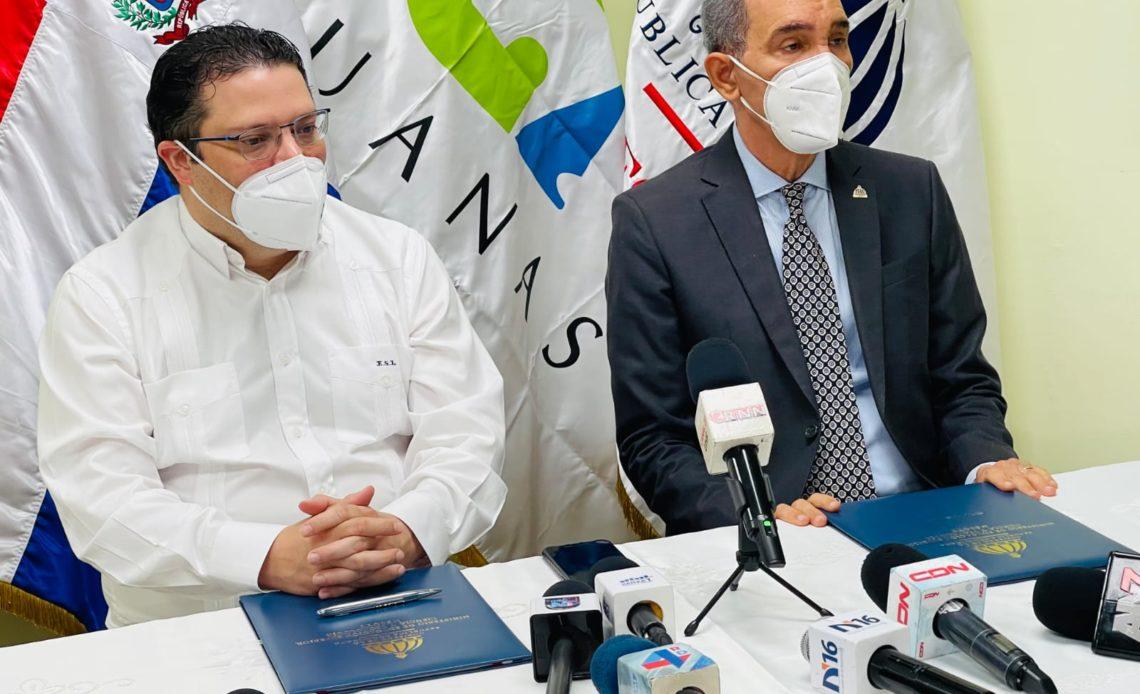 Convenio del Mescyt y Aduanas beneficiará a estudiantes, universidades e investigaciones