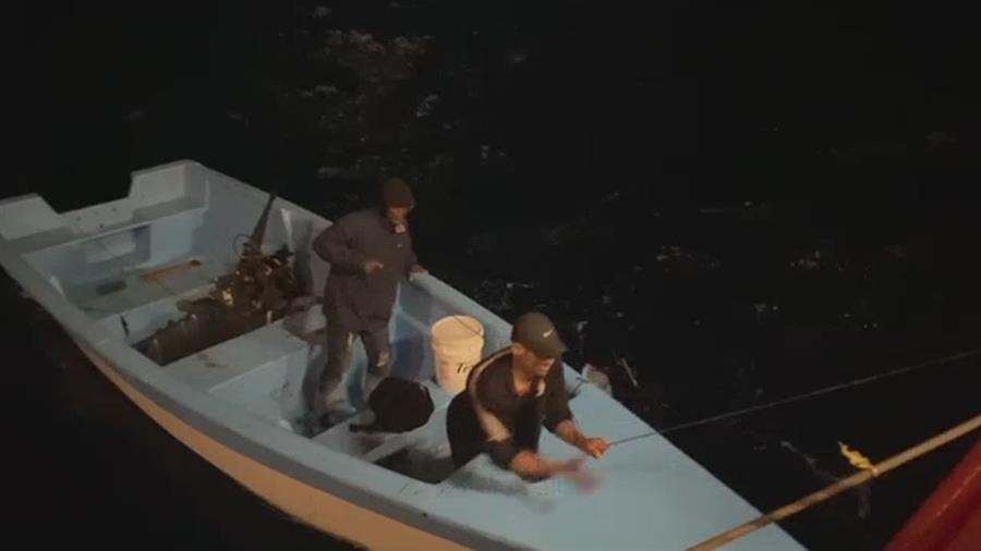 Rescatan a 2 dominicanos