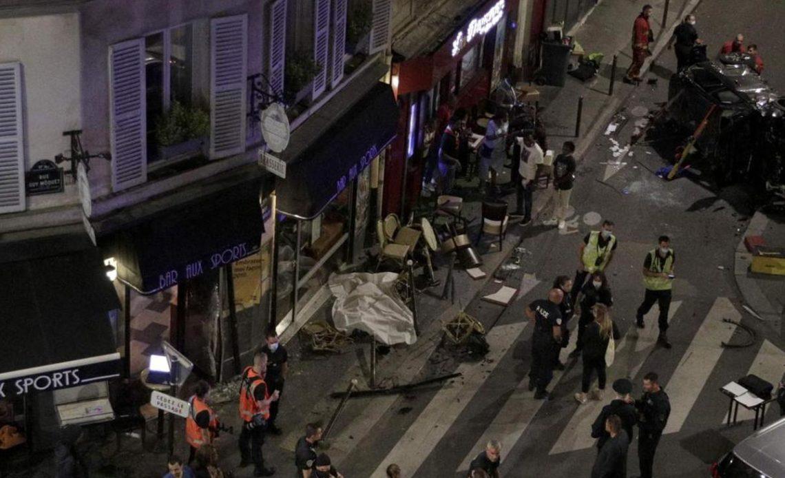 Un muerto y seis heridos por el impacto de un coche contra una terraza en París