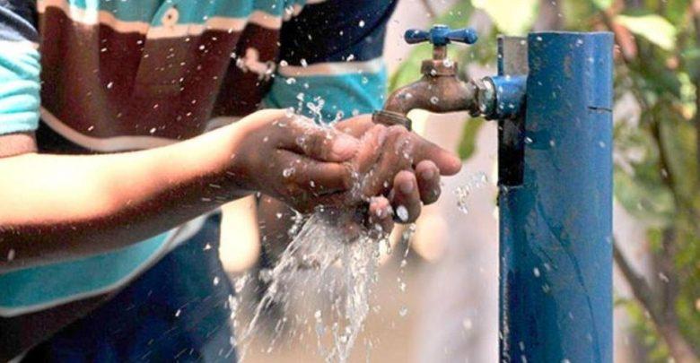 Presidente Abinader afirma ha logrado que 850 mil viviendas más reciban agua potable